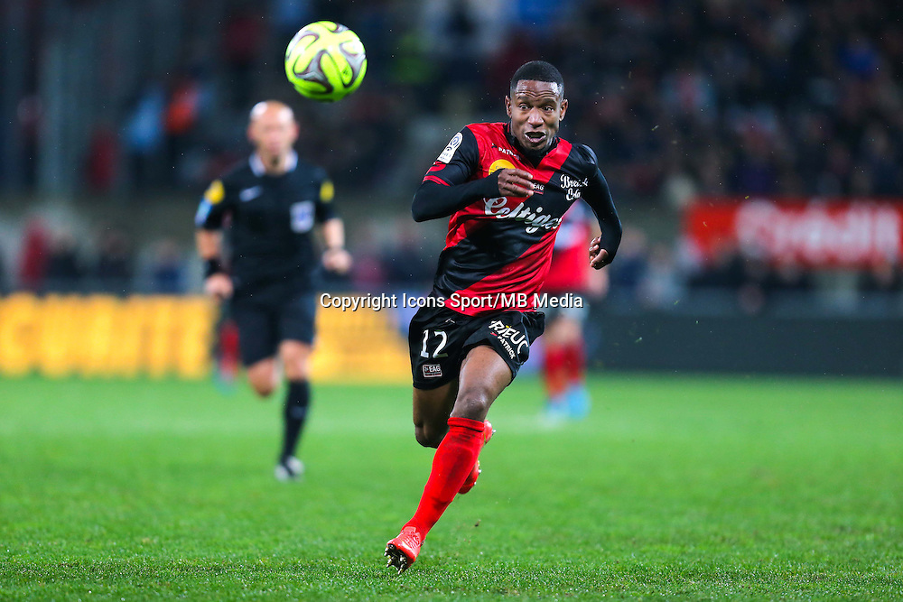 Claudio BEAUVUE  - 03.12.2014 - Guingamp / Caen - 16eme journee de Ligue 1 <br /> Photo : Vincent Michel / Icon Sport