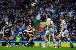 Harlequins Fly-Half (#10) Nick Evans kicks a Penalty during the first half of the match - Photo mandatory by-line: Rogan Thomson/JMP - Tel: Mobile: 07966 386802 29/12/2012 - SPORT - RUGBY - Twickenham Stadium - London. Harlequins v London Irish - Aviva Premiership - LV= Big Game 5.