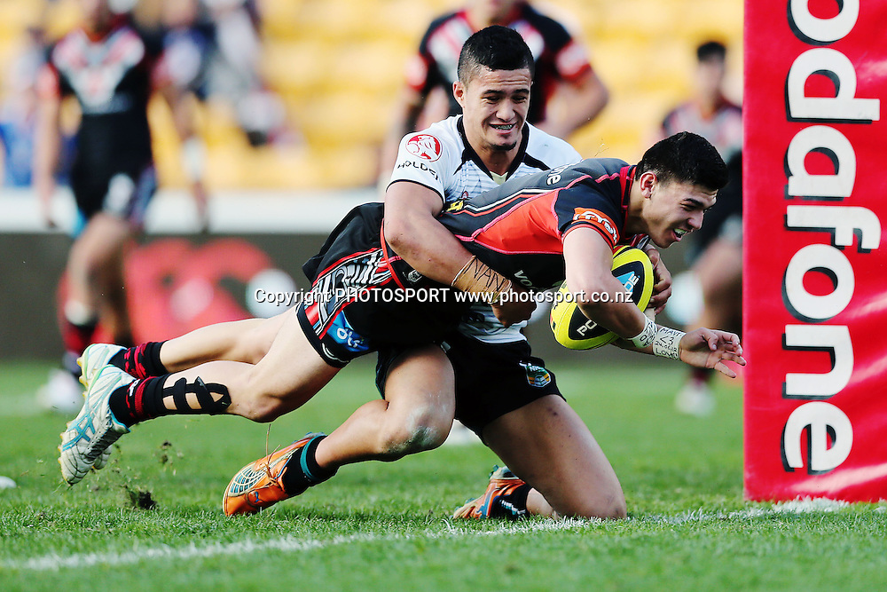 Junior Warriors' Brad Abbey goes in to score a try. Round 16 Holden Cup, Junior Warriors v Junior Panthers, Mt Smart Stadium, Auckland, New Zealand. Sunday 29th June 2014. Photo: photosport.co.nz