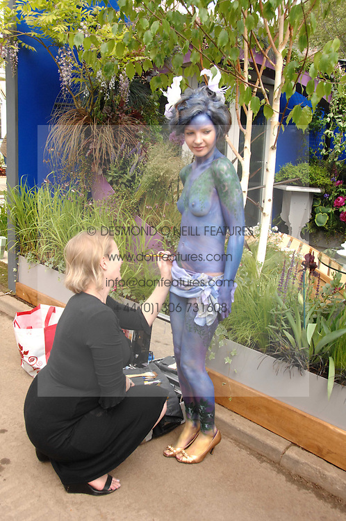 Model GEMMA RHODES at the 2008 Chelsea Flower Show 19th May 2008.<br />