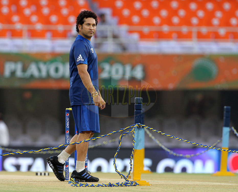 Mumbai Indians icon Sachin Tendulkar before the eliminator match of the Pepsi Indian Premier League Season 2014 between the Chennai Superkings and the Mumbai Indians held at the Brabourne Stadium, Mumbai, India on the 28th May  2014<br /> <br /> Photo by Vipin Pawar / IPL / SPORTZPICS<br /> <br /> <br /> <br /> Image use subject to terms and conditions which can be found here:  http://sportzpics.photoshelter.com/gallery/Pepsi-IPL-Image-terms-and-conditions/G00004VW1IVJ.gB0/C0000TScjhBM6ikg