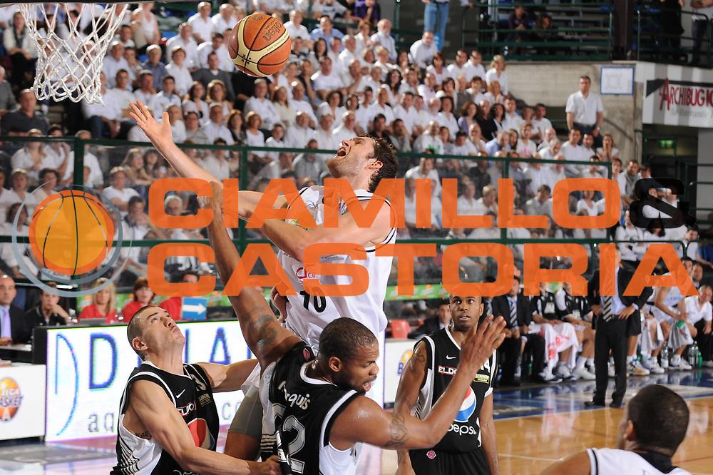 DESCRIZIONE : Ferrara Lega A 2009-10 Carife Ferrara Pepsi Caserta<br /> GIOCATORE : Luke Jackson<br /> SQUADRA : Carife Ferrara<br /> EVENTO : Campionato Lega A 2009-2010<br /> GARA : Carife Ferrara Pepsi Caserta<br /> DATA : 08/05/2010<br /> CATEGORIA : tiro<br /> SPORT : Pallacanestro<br /> AUTORE : Agenzia Ciamillo-Castoria/M.Marchi<br /> Galleria : Lega Basket A 2009-2010 <br /> Fotonotizia : Ferrara Campionato Italiano Lega A 2009-2010 Carife Ferrara Pepsi Caserta<br /> Predefinita :
