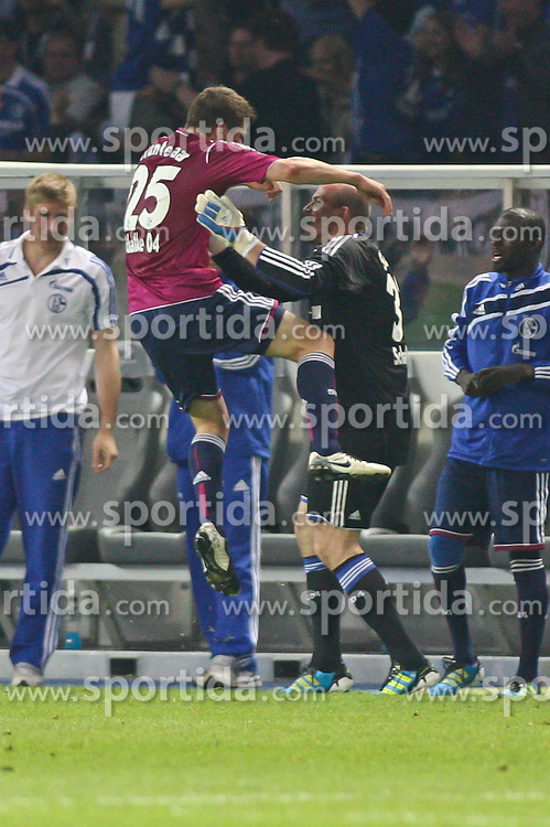 21.05.2011, Olympia Stadion, Berlin, GER, DFB Pokal Finale 2011,  MSV Duisburg vs Schalke 04, im Bild Klaas-Jan Huntelaar (Schalke 04 #25) macht das 0:5 Tor und jubelt mit Mathias Schober (Schalke 04 #33)  // during the DFB Cup final 2011 MSV Duisburg vs. Schalke 04 at the Olympic Stadium, Berlin, 21/05/2011 EXPA Pictures © 2011, PhotoCredit: EXPA/ nph/  Hammes       ****** out of GER / SWE / CRO  / BEL ******