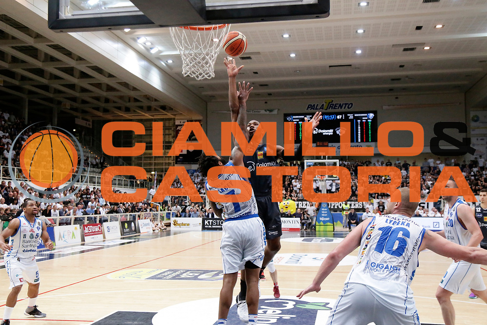 Dominique Sutton<br /> Dolomiti Energia Aquila Basket Trento - Banco di Sardegna Dinamo Sassari<br /> Lega Basket Serie A 2016/2017<br /> PalaTrento 14/05/2017<br /> Foto Ciamillo-Castoria / M. Brondi