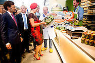 1-10-2014 ROTTERDAM - Queen Maxima opens Wednesday October 1 Market Hall Rotterdam. The covered market in the center of the city focuses a fresh food market, shops and restaurants full of good food. COPYRIGHT ROBIN UTRECHT