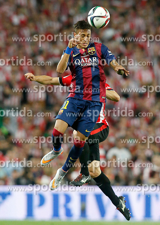 30.05.2015, Camp Nou, Barcelona, ESP, Copa del Rey, Athletic Club Bilbao vs FC Barcelona, Finale, im Bild Athletic de Bilbao's Mikel San Jose (b) and FC Barcelona's Neymar Santos Jr // during the final match of spanish king's cup between Athletic Club Bilbao and Barcelona FC at Camp Nou in Barcelona, Spain on 2015/05/30. EXPA Pictures © 2015, PhotoCredit: EXPA/ Alterphotos/ Acero<br /> <br /> *****ATTENTION - OUT of ESP, SUI*****
