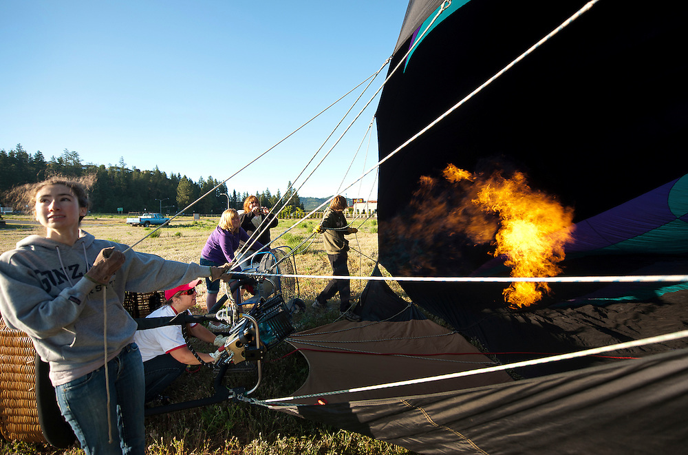 Alum and adventurer Myia Hackett ('94 M.AD.CU) follows her passion by flying her hot air balloon, &quot;MyAir FlyAir.&quot;<br /> <br /> Photo by Rajah Bose