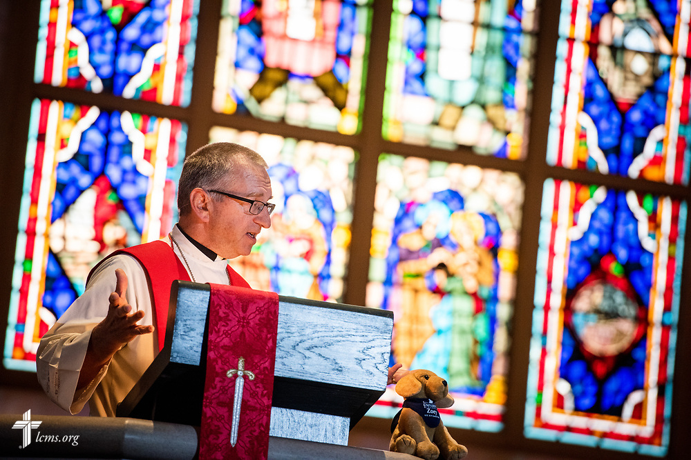 The Rev. Dwayne Lueck, president of the LCMS North Wisconsin District, preaches at the Service of Praise with Assignment of Calls in the Chapel of St. Timothy and St. Titus at Concordia Seminary, St. Louis, on Tuesday, April 24, 2018. LCMS Communications/Erik M. Lunsford