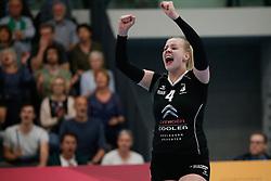 20180425 NED: Eredivisie Sliedrecht Sport - Coolen Alterno, Sliedrecht <br />(L-R) Anna Mebus (4) of Coolen Alterno <br />©2018-FotoHoogendoorn.nl / Pim Waslander