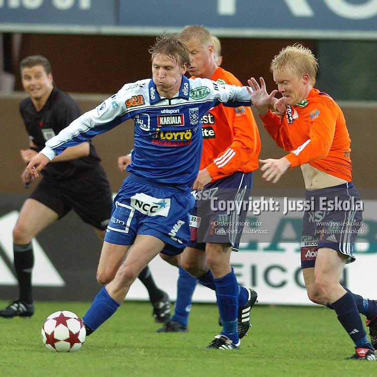 Henri Scheweleff, TamU &amp; Jarno Tuunainen, Allianssi.&amp;#xA;2005.&amp;#xA;Veikkausliiga.&amp;#xA;Photo: Jussi Eskola<br />