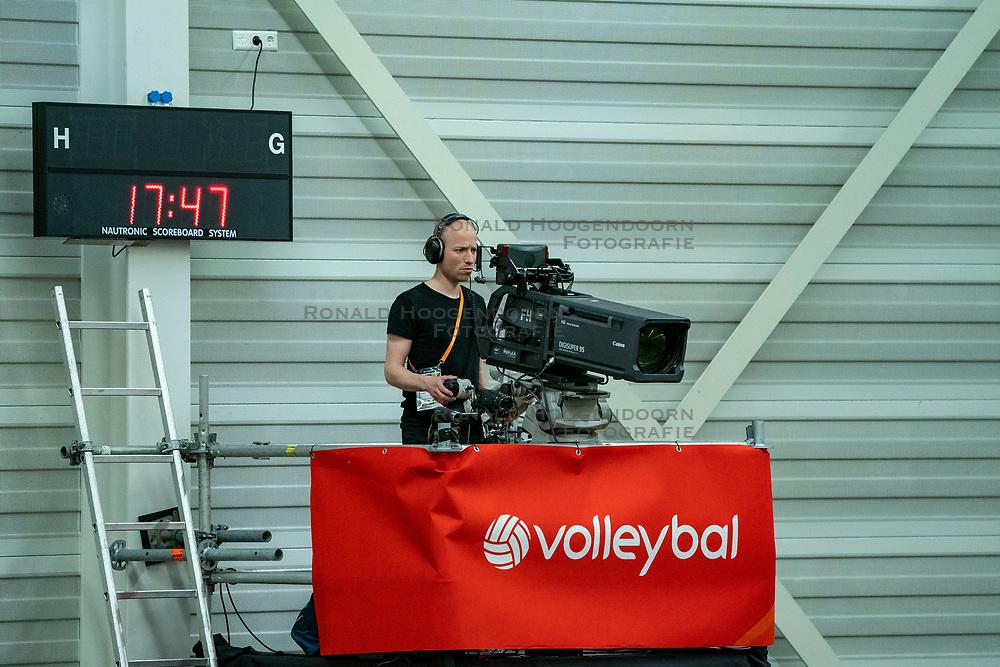 09-06-2019 NED: Golden League Netherlands - Spain, Koog aan de Zaan<br /> Fourth match poule B - The Dutch beat Spain again in five sets in the European Golden League / Camera, TV, Media
