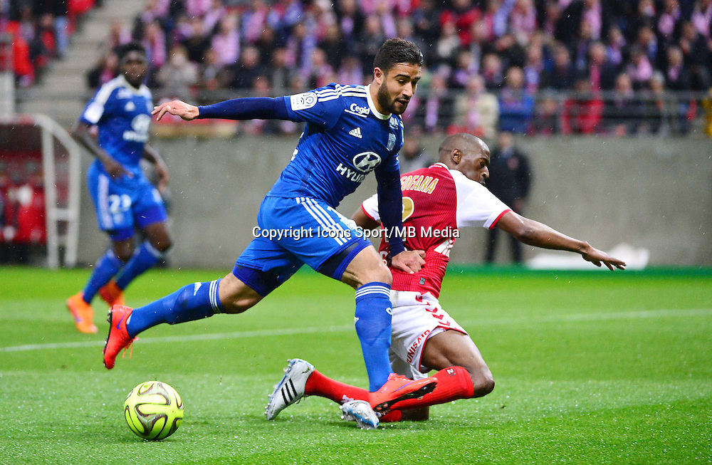 Nabil FEKIR / Mohamed FOFANA - 26.04.2015 - Reims / Lyon - 34eme journee de Ligue 1<br />Photo : David Winter / Icon Sport