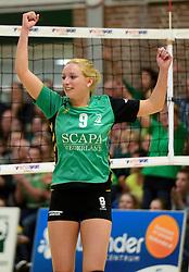 12-04-2014 NED: Finale vv Alterno - Sliedrecht Sport, Apeldoorn<br /> Alterno pakt het kampioenschap door Sliedrecht voor de derde maal te verslaan / Linda te Molder