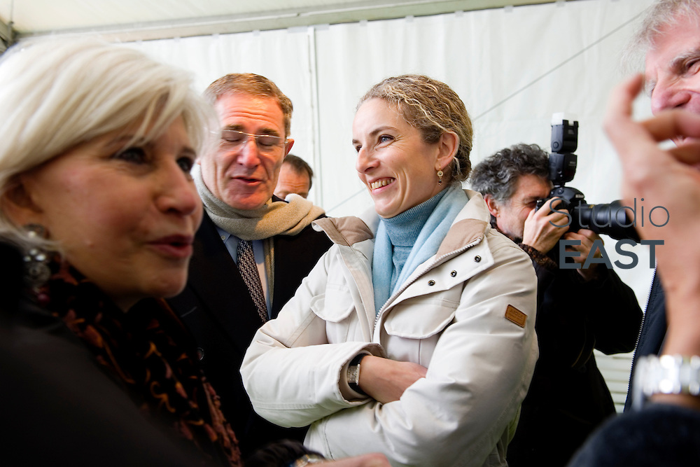 Mme Delphine Batho visite la chaufferie biomasse de Stains en Seine-Saint-Denis, près de Paris, France, le 30 mars 2013. Photo : Lucas Schifres