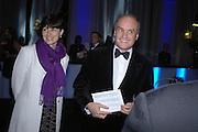 Nicholas and Georgia Coleridge. The Black and White Winter Ball. Old Billingsgate. London. 8 February 2006. -DO NOT ARCHIVE-© Copyright Photograph by Dafydd Jones 66 Stockwell Park Rd. London SW9 0DA Tel 020 7733 0108 www.dafjones.com