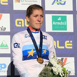 10-11-2019: Wielrennen: Europees Kampioenschap Veldrijden: Silvelle <br />Yara Kastelijn pakt de Europese titel bij de vrouwen
