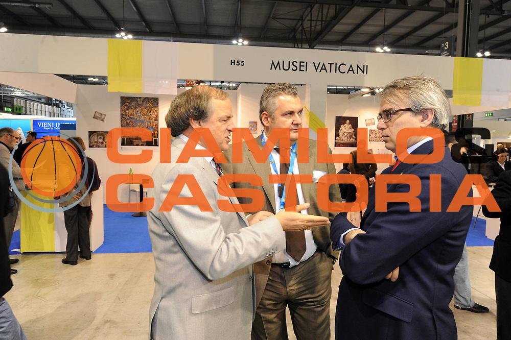 DESCRIZIONE : Milano BIT Borsa Italiana del Turismo FIP Federazione Italiana Pallacanestro<br /> GIOCATORE : Nicola Tolomei Enrico Ragnolini Eugenio Crotti<br /> SQUADRA : BIT Borsa Italiana del Turismo<br /> EVENTO : BIT Borsa Italiana del Turismo<br /> GARA : <br /> DATA : 17/02/2011<br /> CATEGORIA : ritratto<br /> SPORT : Pallacanestro<br /> AUTORE : Agenzia Ciamillo-Castoria/GiulioCiamillo<br /> Galleria : FIP Nazionali 2011<br /> Fotonotizia :  Milano BIT Borsa Italiana del Turismo FIP Federazione Italiana Pallacanestro<br /> Predefinita :
