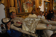 Imagen de la muerte de Cristo en la Iglesia de San Francisco de Caracas. Viernes Santo. (Ramón Lepage / Orinoquiaphoto) Image of Christ's death in the Church of San Francisco of Caracas. Easter Friday.(Ramón Lepage / Orinoquiaphoto)