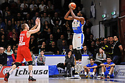 DESCRIZIONE : Beko Legabasket Serie A 2015- 2016 Dinamo Banco di Sardegna Sassari - Openjobmetis Varese<br /> GIOCATORE : Tony Mitchell<br /> CATEGORIA : Tiro Tre Punti Three Point Controcampo<br /> SQUADRA : Dinamo Banco di Sardegna Sassari<br /> EVENTO : Beko Legabasket Serie A 2015-2016<br /> GARA : Dinamo Banco di Sardegna Sassari - Openjobmetis Varese<br /> DATA : 07/02/2016<br /> SPORT : Pallacanestro <br /> AUTORE : Agenzia Ciamillo-Castoria/C.Atzori