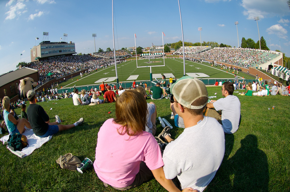 18400...18400OU  Vs. Wyoming Football Game 9-22-2007 : Photos by Luke Potter