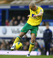 Picture by Paul Chesterton/Focus Images Ltd.  07904 640267.17/12/11.Steve Morison of Norwich has a shot on goal during the Barclays Premier League match at Goodison Park Stadium, Liverpool.