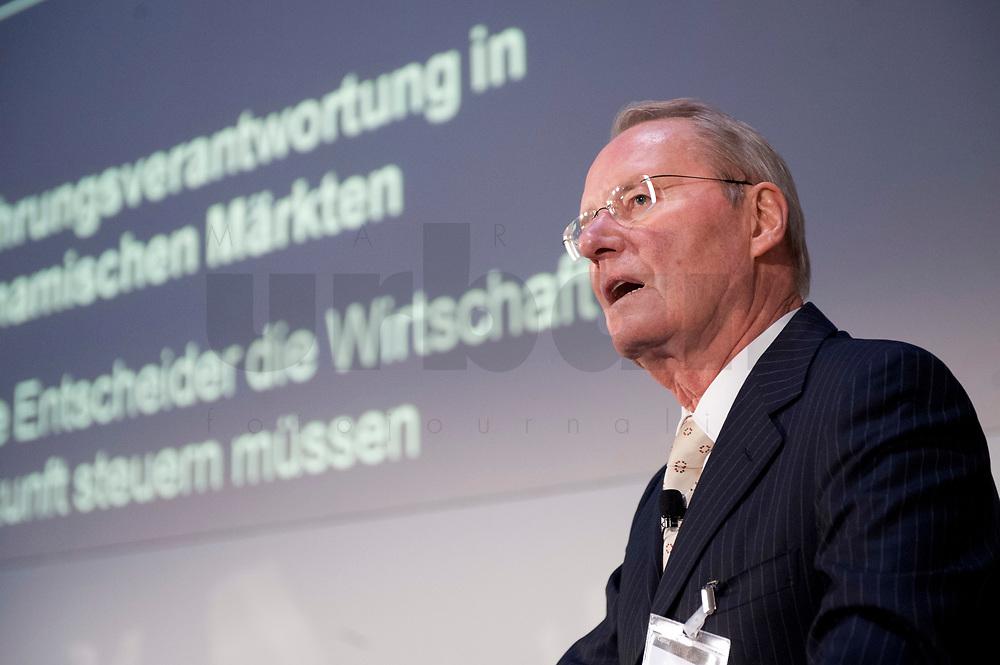 """01 DEC 2010, BERLIN/GERMANY:<br /> Hans-Olaf Henkel, Senior Advisor Bank of America und ehem. Praesident des BDI, haelt einen Vortrag, Veranstaltung """"CAPITAL Gipfel Generation CEO 2010"""" zum Thema """"DIe Frauen, die Wirtschaft und die Quote"""", Hotel de Rome<br /> IMAGE: 20101201-02-035<br /> KEYWORDS: Rede, speech"""
