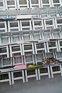 New York. The Reed space, concept store in Lower east side ultra trendy. New York - United states  /  The Reed Space Le concept store de Lower East Side avec les dernières créations vestimentaires des jeunes designers locaux à des tarifs abordables (35 $ le tee shirt), livres à la pointe et collectors Nike.  151 Orchard Street.