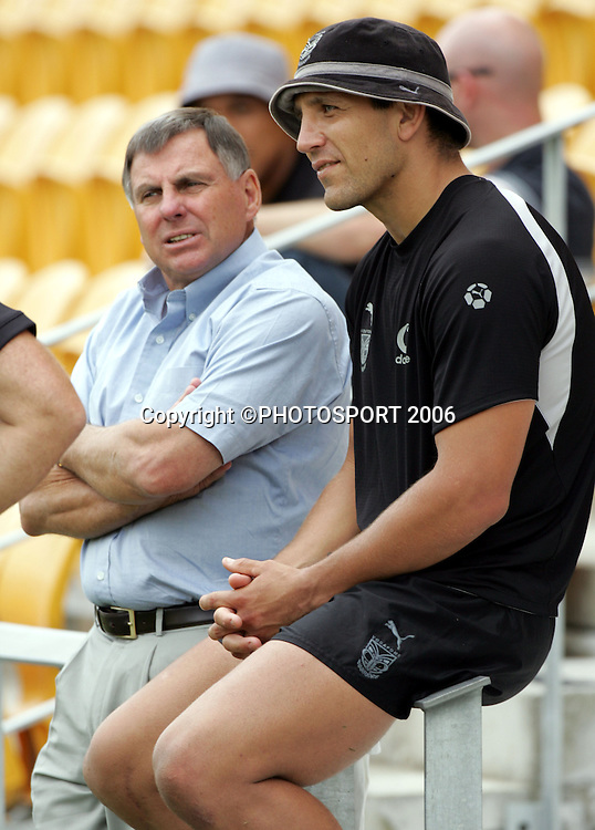 Warriors director of football John Hart talks with captain Steve Price during the Warriors training session held at Ericsson Stadium, Auckland, on Wednesday 1 March, 2006. Photo: Andrew Cornaga/PHOTOSPORT<br /><br /><br />147836