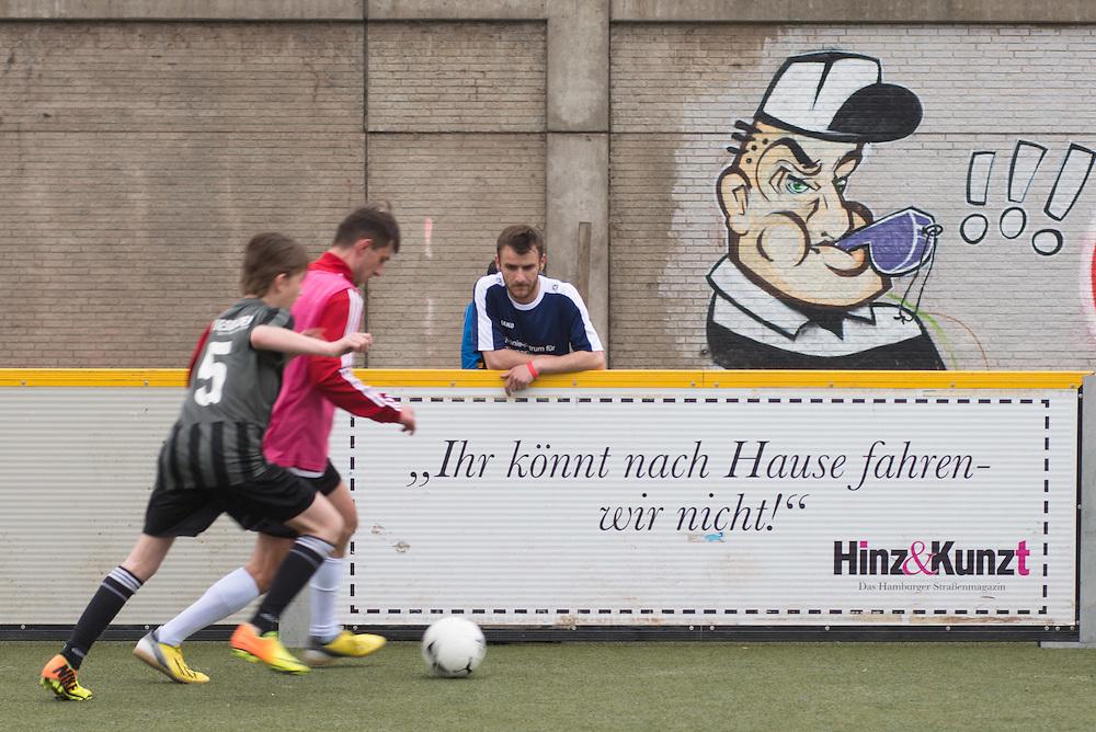 Die Spieler f&uuml;r das Team Germany, unserer Mannschaft beim Homeless World Cup, werden dieses Jahr nicht bei der Deutschen Meisterschaft ausgew&auml;hlt, sondern es wird je ein s&uuml;d- und ein norddeutsches Sichtungsturnier veranstaltet.<br /> <br /> Zur norddeutschen Sichtung, begleitet von unserem HWC - Duo, Coach Jiri Pacourek und  Team Manager Ferderik B&uuml;kers,