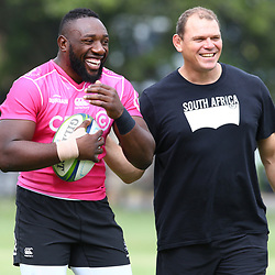 Tendai Beast Mtawarira with Pieter de Villiers during the cell c sharks training session at  Growthpoint Kings Park 13,02,2018 Photo by Steve Haag)