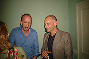 Simon Sebag-Montefiore and Neil Mendoza, Book launch of 'A Much Married Man' by Nicholas Coleridge. English Speaking Union. London. 4 May 2006. ONE TIME USE ONLY - DO NOT ARCHIVE  © Copyright Photograph by Dafydd Jones 66 Stockwell Park Rd. London SW9 0DA Tel 020 7733 0108 www.dafjones.com