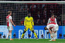 08-05-2019 NED: Semi Final Champions League AFC Ajax - Tottenham Hotspur, Amsterdam<br /> After a dramatic ending, Ajax has not been able to reach the final of the Champions League. In the final second Tottenham Hotspur scored 3-2 / Frenkie de Jong #21 of Ajax, Andre Onana #24 of Ajax, Nicolas Tagliafico #31 of Ajax, Dusan Tadic #10 of Ajax