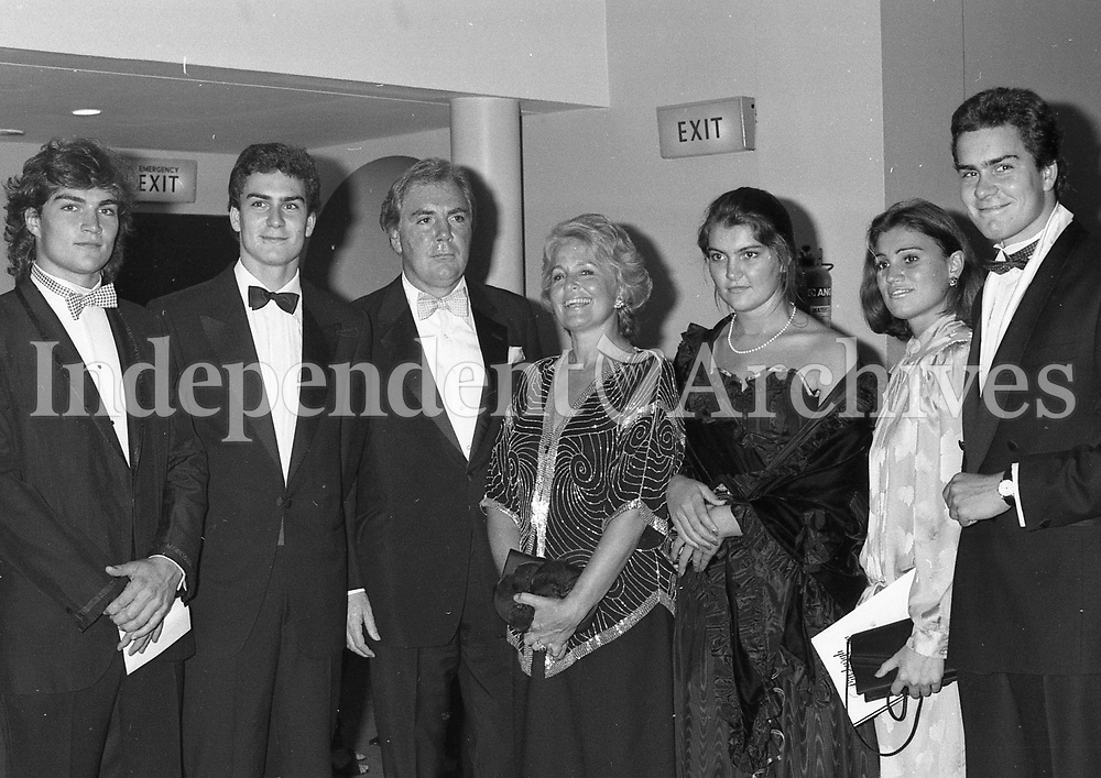 Dr. AJF O'Reilly, CEO of Heinz and Chairman of Independent Newspapers with is wife Susan and five of their six children. Pictured from left are Cameron, Tony, Justine, Susan and Gavin at the reception for the Pittsburgh Symphony Orchestra. 17th Auguest 1985. (Part of the Independent Newspapers Ireland/NLI Collection)