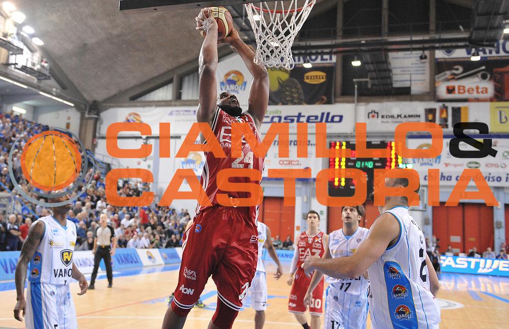 DESCRIZIONE : Cremona Lega A 2014-2015 Vanoli Cremona EA7 Emporio Armani Milano<br /> GIOCATORE : Samardo Samuels<br /> SQUADRA : EA7 Emporio Armani Milano<br /> EVENTO : Campionato Lega A 2014-2015<br /> GARA : Vanoli Cremona EA7 Emporio Armani Milano<br /> DATA : 11/10/2014<br /> CATEGORIA : schiacciata<br /> SPORT : Pallacanestro<br /> AUTORE : Agenzia Ciamillo-Castoria/A.Scaroni<br /> GALLERIA : Lega Basket A 2014-2015<br /> FOTONOTIZIA : Cremona Campionato Italiano Lega A 2014-15 Vanoli Cremona EA7 Emporio Armani Milano<br /> PREDEFINITA :