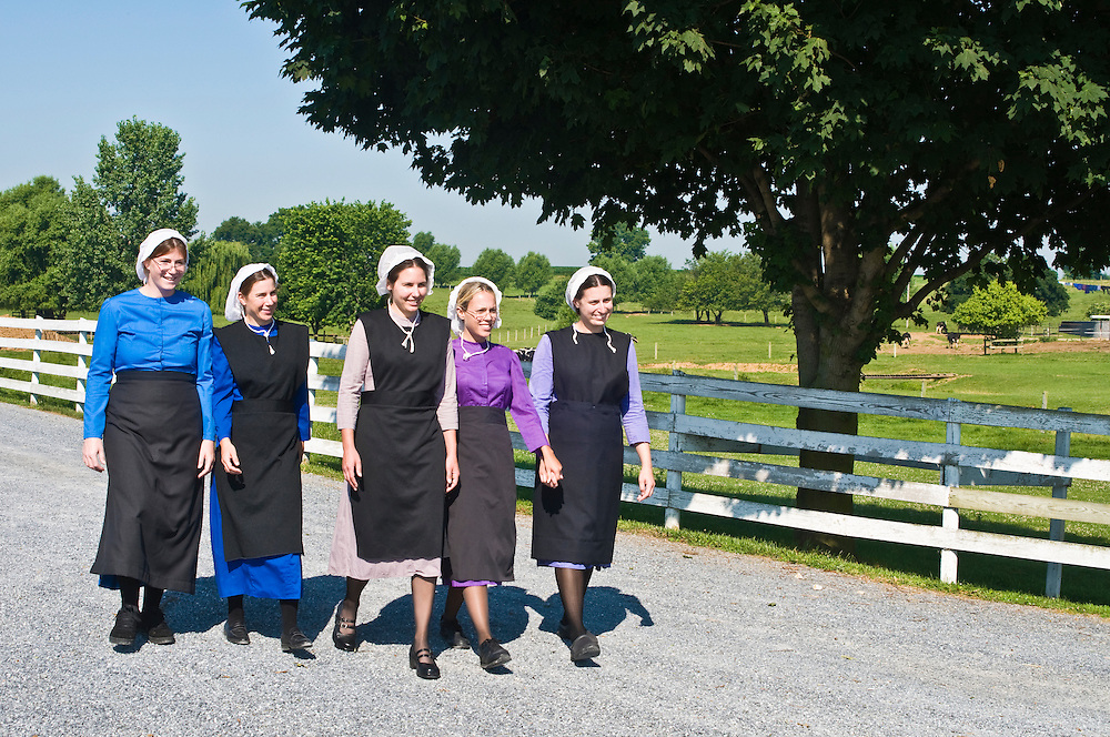 Group of young amish women (professional actor models/released)<br />
