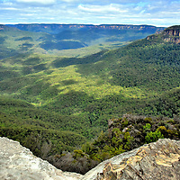 Jamison Valley below Lincoln&rsquo;s Rock in Wentworth Falls in Blue Mountains, Australia<br />