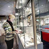 Nederland, amsterdam , 29 oktober 2010..Carla Hund, de zus van de doodgeschoten juwelier Fred Hund als gevolg van een overval in de juwelierszaak op de Jan Evertsenstraat