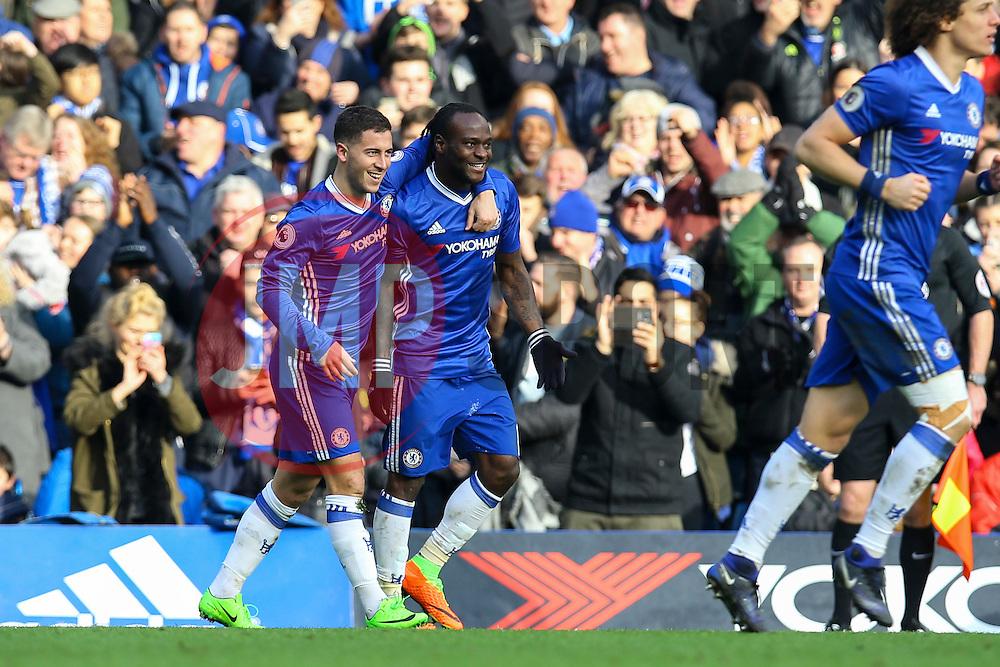 Goal, Eden Hazard of Chelsea scores, Chelsea 2-0 Arsenal - Mandatory by-line: Jason Brown/JMP - 04/01/2017 - FOOTBALL - Stamford Bridge - London, England - Chelsea v Arsenal - Premier League