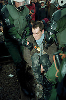 20.03.1998, Germany, Ahaus:<br /> Polizisten tragen Demonstranten aus Polizeikessel, Castor Transport nach Ahaus<br /> IMAGE: 19980320-01/02-05<br />  <br />  <br />  <br /> KEYWORDS: Verhaftung, Festnahme, Demo, Demonstration
