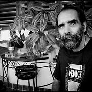 PORTRAITS / RETRATOS<br /> <br /> José A. Figueroa<br /> Fotógrafo Cubano<br /> La Habana - Cuba 2007<br /> <br /> (Copyright © Aaron Sosa)