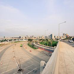 A nova ponte para a Ilha de Luanda. Projecto Baía de Luanda. Marginal requalificada e renovada. Luanda. Angola.