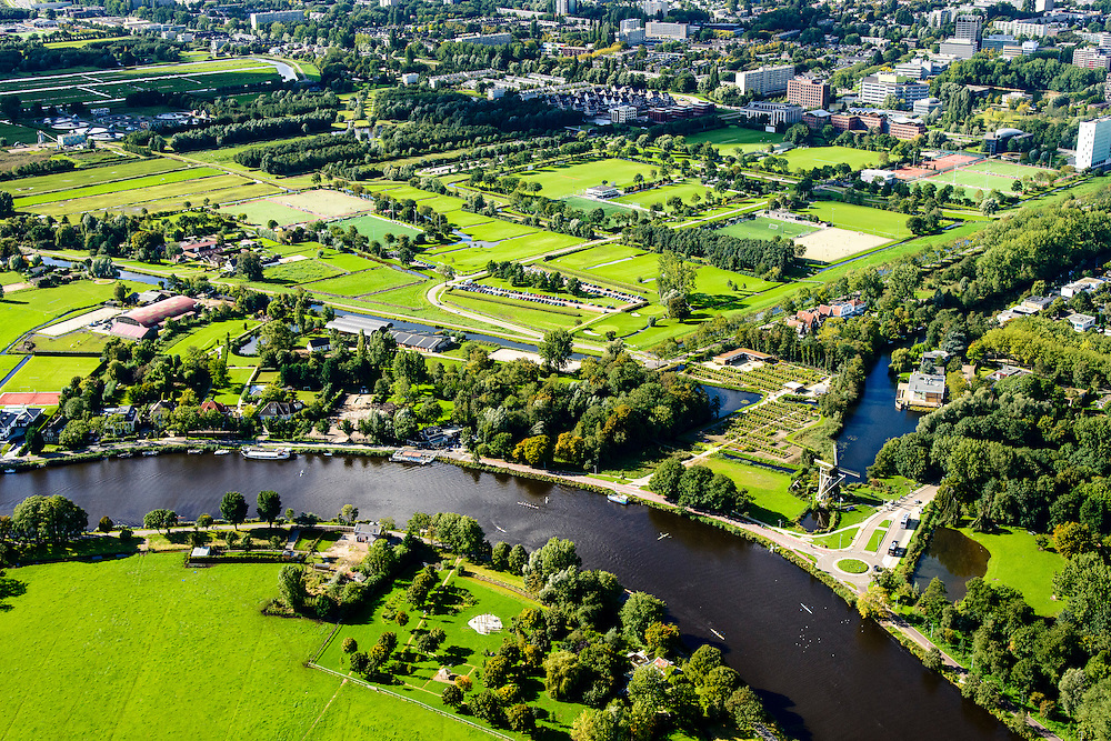 Nederland, Noord-Holland, Amsterdam, 27-09-2015;  rivier de Amstel ter hoogte van Kalfjeslaan met Riekermolen. Zicht op de Middelpolder onder Amstelveen.<br /> River Amstel just outside South of Amsterdam.<br /> luchtfoto (toeslag op standard tarieven);<br /> aerial photo (additional fee required);<br /> copyright foto/photo Siebe Swart