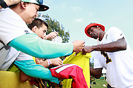 January 28 2016: Atlanta Falcons wide receiver Julio Jones signs autographs after the Pro Bowl practice at Turtle Bay Resort on North Shore Oahu, HI. (Photo by Aric Becker)