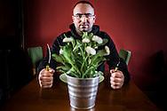 Nederland, Groningen 20131107. Babak Salmanian uit Delfzijl is populair op YouTube met filmpjes waarin hij bij hiphopsterren gaat eten. foto: Pepijn van den Broeke