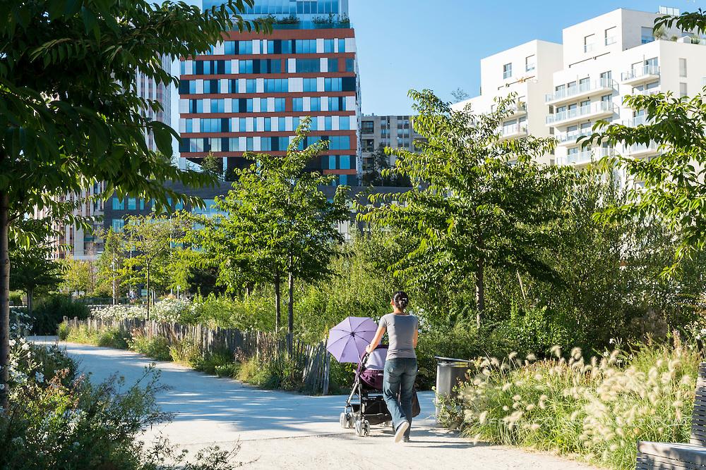 Boulogne-Billancourt, parc quartier Rives de Seine