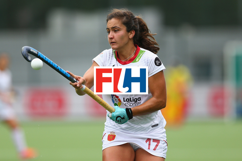 BRUSSELS, BELGIUM - JULY 02: Lola Reira of Spain controls the ball during the 7/8th place play off match between Spain and Belgium on July 2, 2017 in Brussels, Belgium. (Photo by Steve Bardens/Getty Images for FIH) *** Local Caption *** Lola Reira
