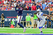 HOUSTON, TX - OCTOBER 30: Houston Texans Wide Receiver DeAndre Hopkins (10) makes a catch over the middle asDetroit Lions Cornerback Nevin Lawson (24) defends during the NFL football game between the Detroit Lions and Houston Texans on October 30, 2016 at NRG Stadium in Houston, TX. (Photo by Ken Murray/Icon Sportswire)