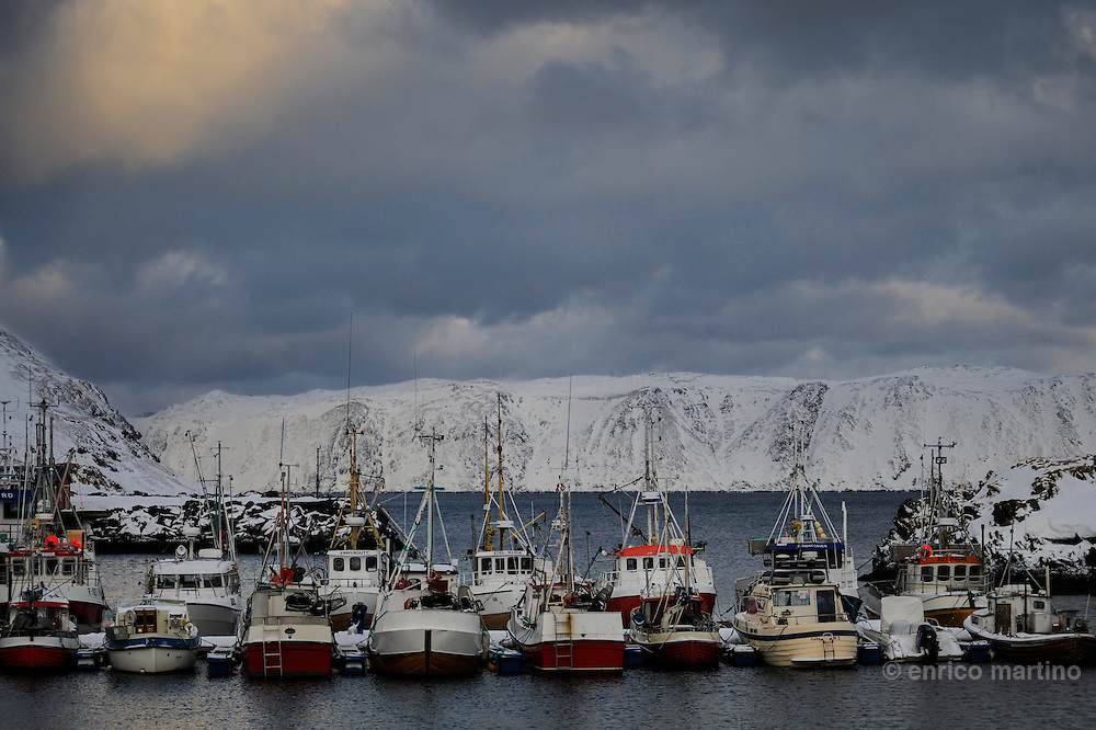 Honningsvag, the small fishing harbour of Skipsfjord. Honningsvåg, at 70° 58' North in Nordkapp municipality claims to be the northernmost city in Norway and even in the world,