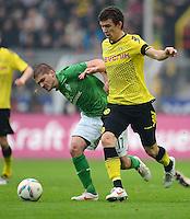 FUSSBALL   1. BUNDESLIGA   SAISON 2011/2012   26. SPIELTAG Borussia Dortmund - SV Werder Bremen               17.03.2012 Aleksandar Ignjovski (li, SV Werder Bremen) gegen Ivan Perisic (re, Borussia Dortmund)