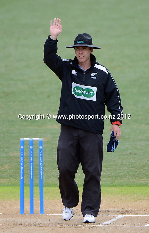 Umpire Chris Gaffaney during the HRV Cup Twenty20 Cricket match between Auckland Aces and Northern Knights at Eden Park's Outer Oval on Wednesday 26 December 2012. Photo: Andrew Cornaga/Photosport.co.nz